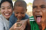 Julie Jang: Capturing of the Two Frogs (Dominican Republic)